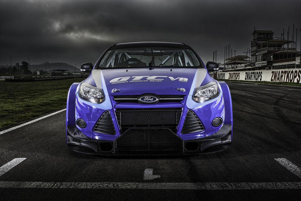 V8-500bhp-Focus-Sedan-04