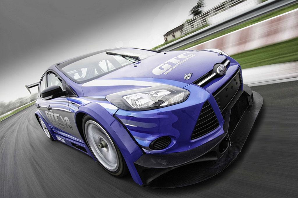 V8-500bhp-Focus-Sedan-05