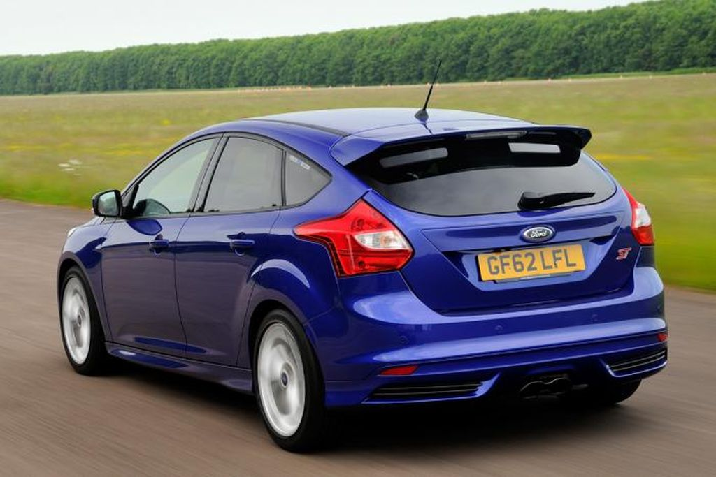 focus-st-2-rear-tracking