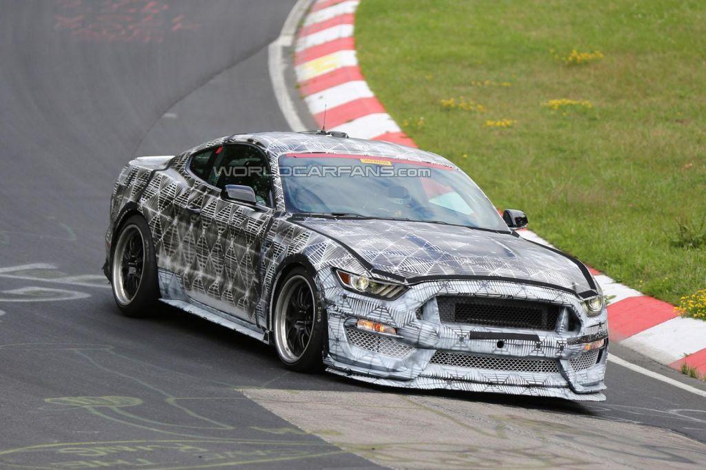 2016 Mustang SVT GT350-02
