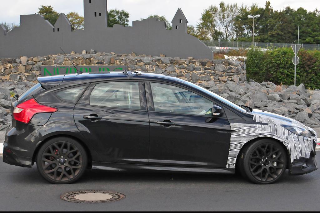 Spyshots Focus RS 2016-08