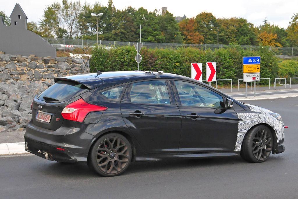 Spyshots Focus RS 2016-09