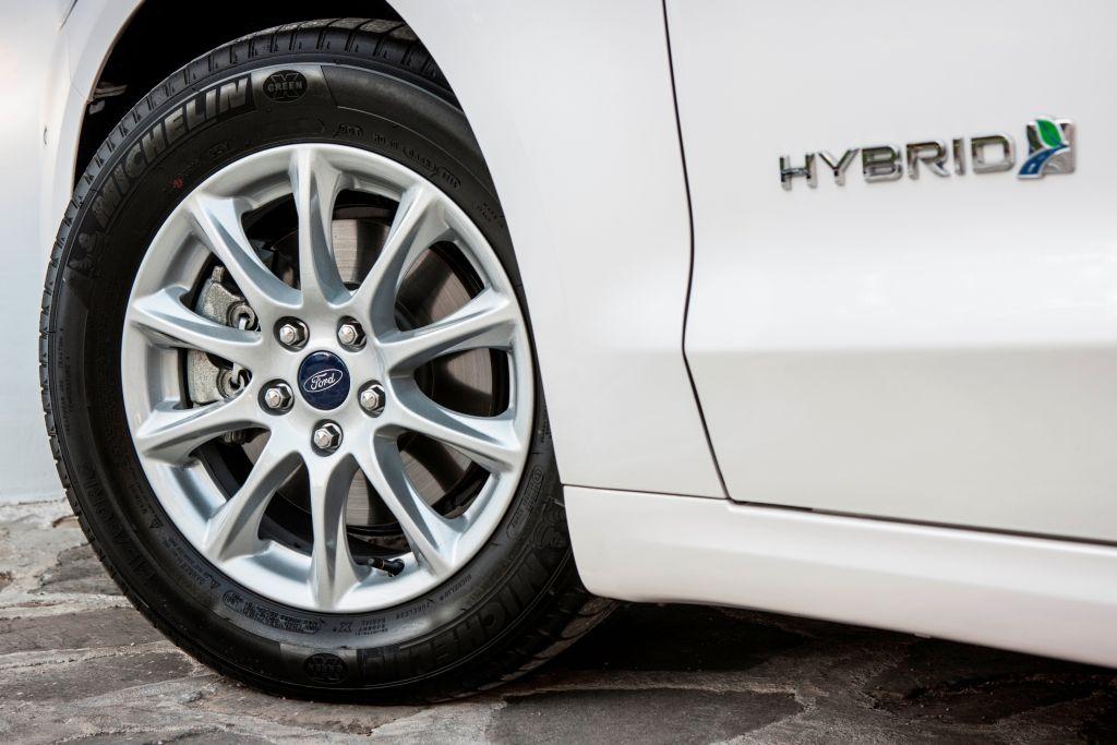 Mondeo 2014 EcoDrive Hybrid_03