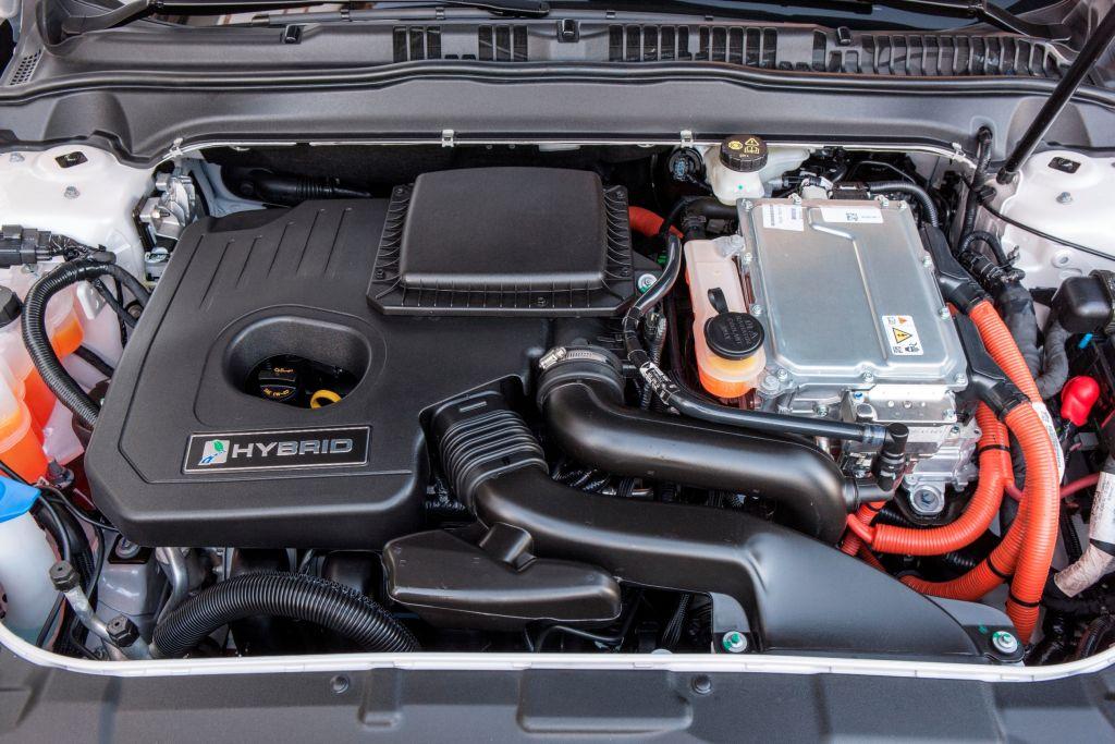 Mondeo 2014 EcoDrive Hybrid_06