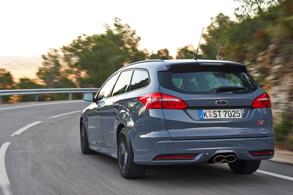 Focus ST Estate review-05