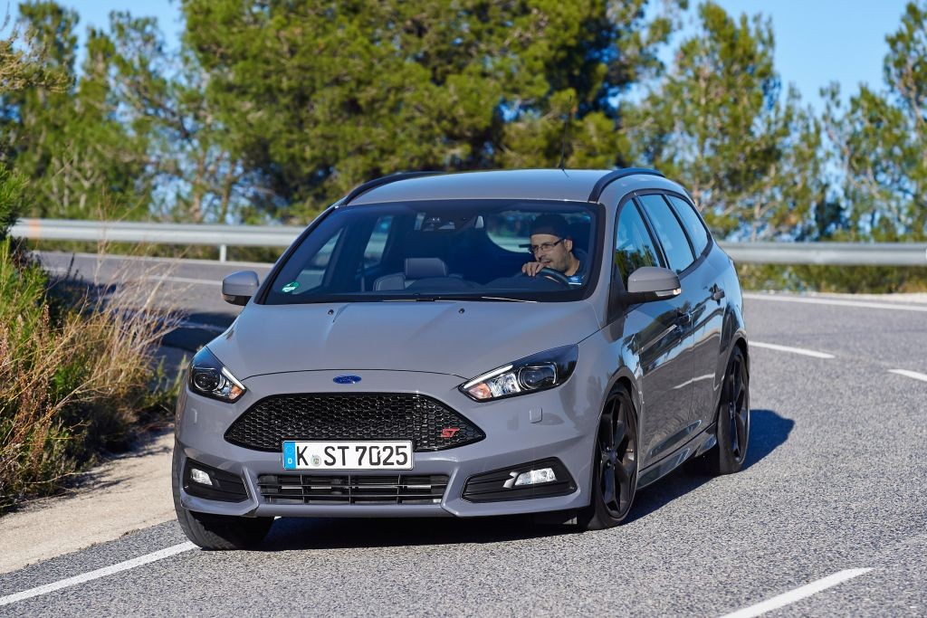 Focus ST Estate review-06