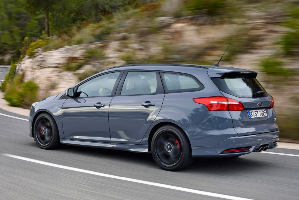 Focus ST Estate review-10