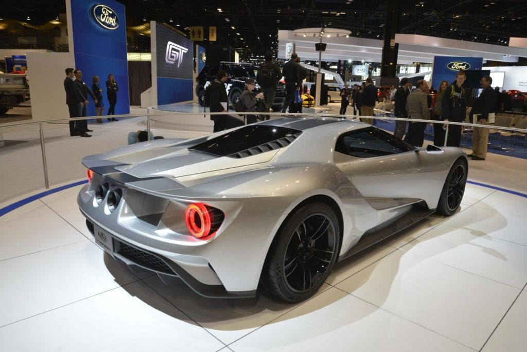 Ford GT Silver Chicago-01