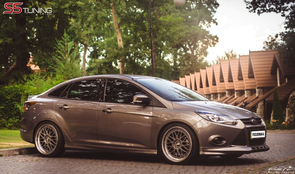 SS-Tuning Focus Sedan 2012-08