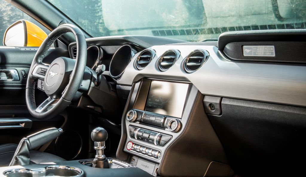 2015 Ford Mustang Glove Box Knee Airbag