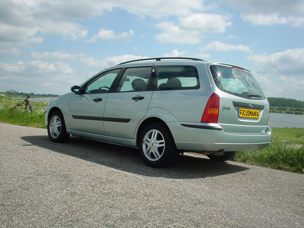 2003 Ford Focus Collection Wagon