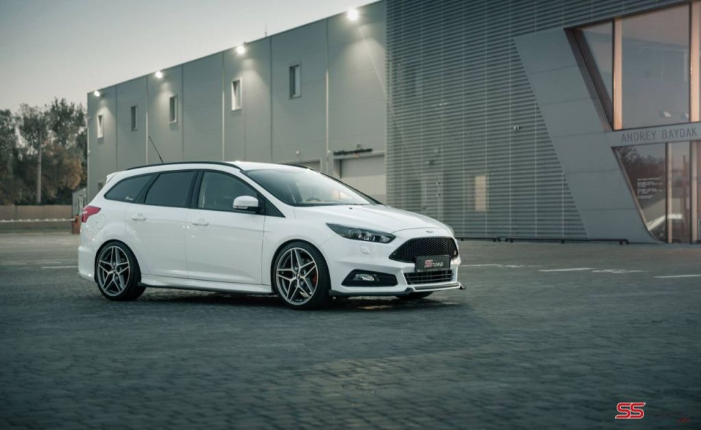ford focus st wagon predator by ss tuning 11 www. Black Bedroom Furniture Sets. Home Design Ideas