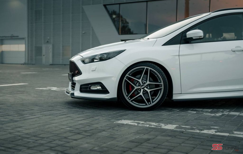 ford focus st wagon predator by ss tuning 12 www. Black Bedroom Furniture Sets. Home Design Ideas