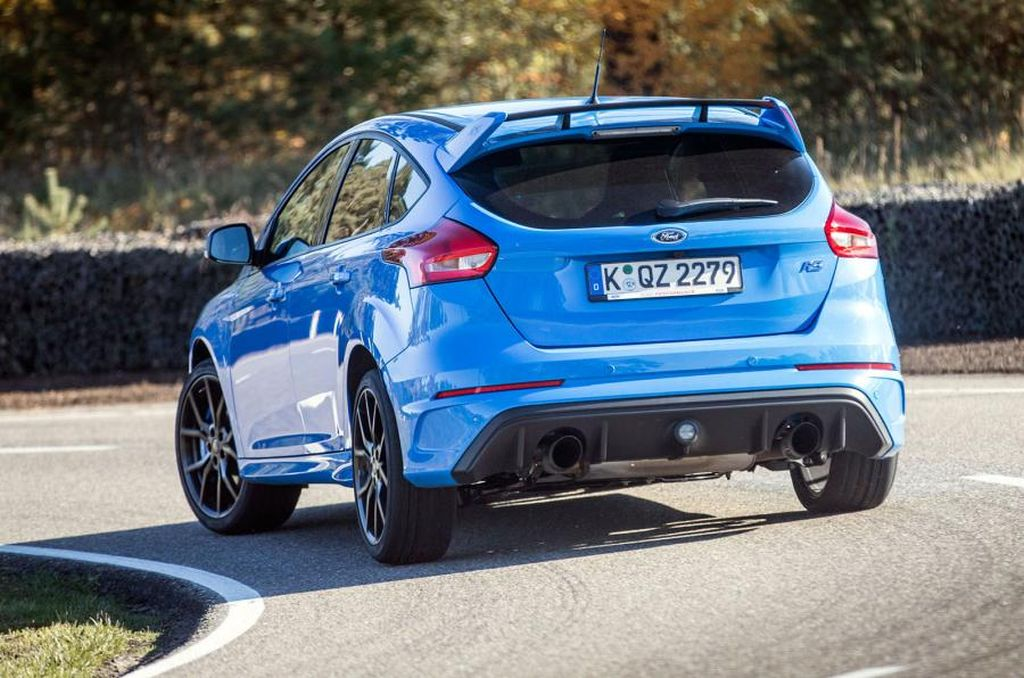 2016 Ford Focus RS by Autocar