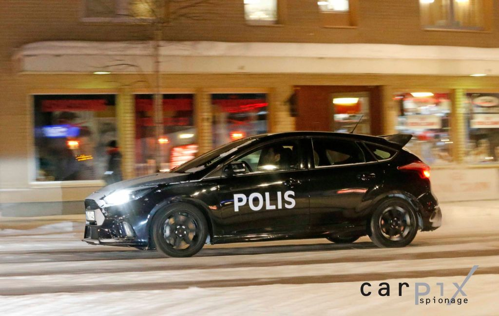 2016 Ford Focus RS Police car Sweden