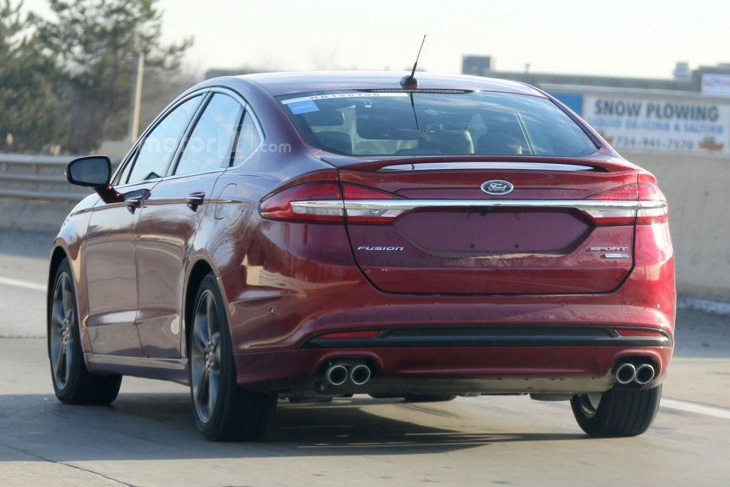 Ford Fusion 2017 spy photo's   Motor1.com