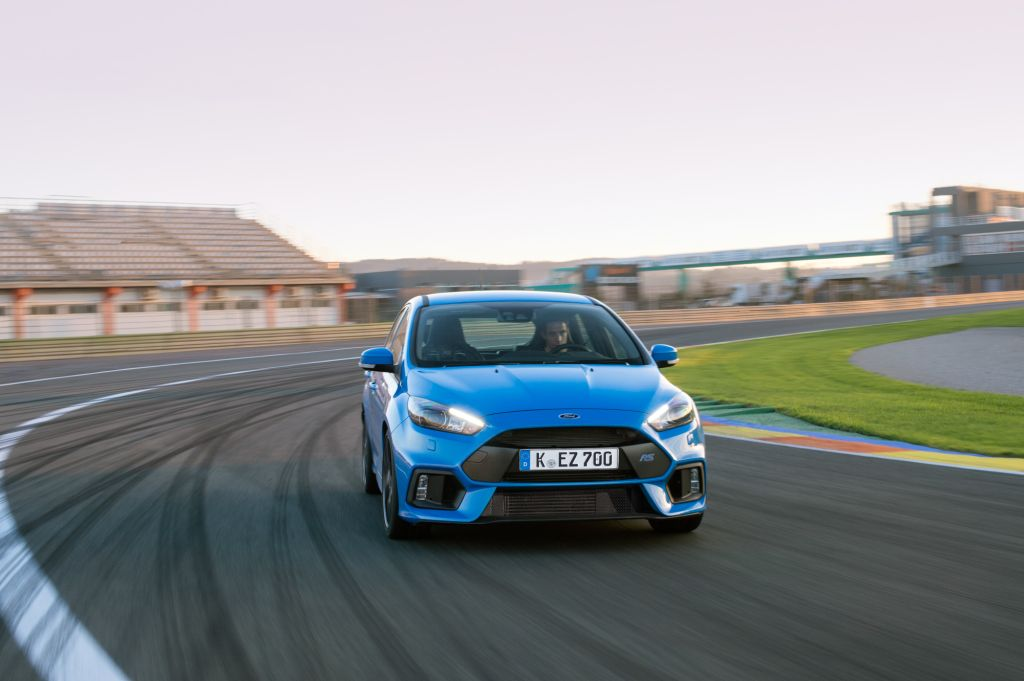 Media Drive 2016 Ford Focus RS