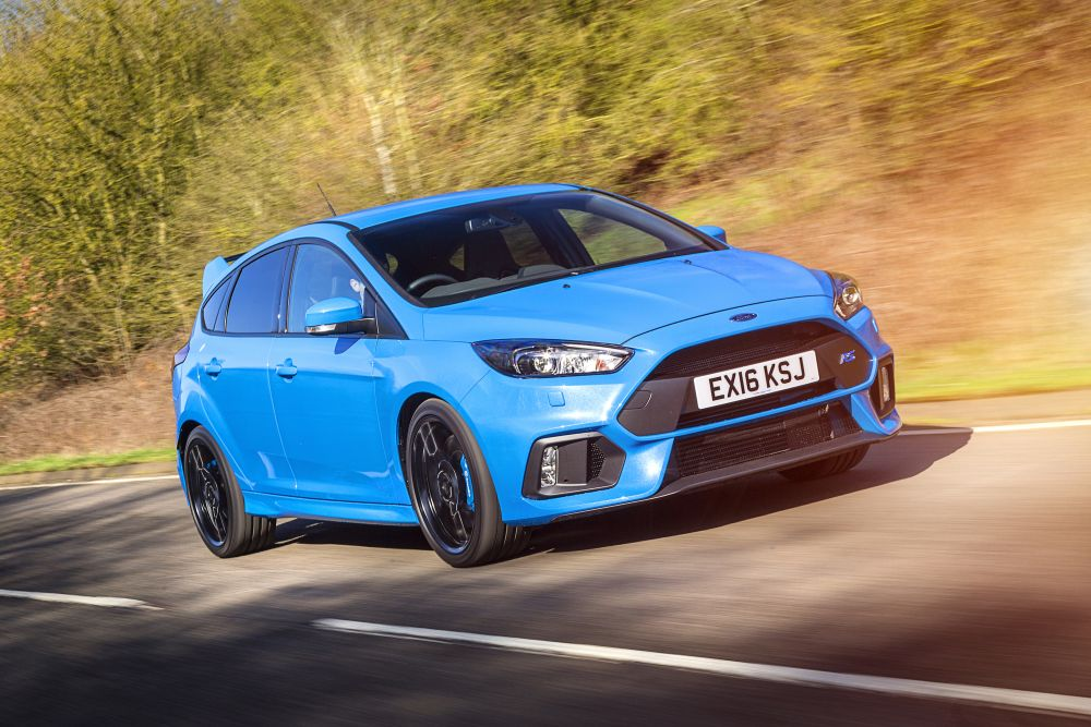 2016 Ford Focus RS | Review by CarThrottle.com