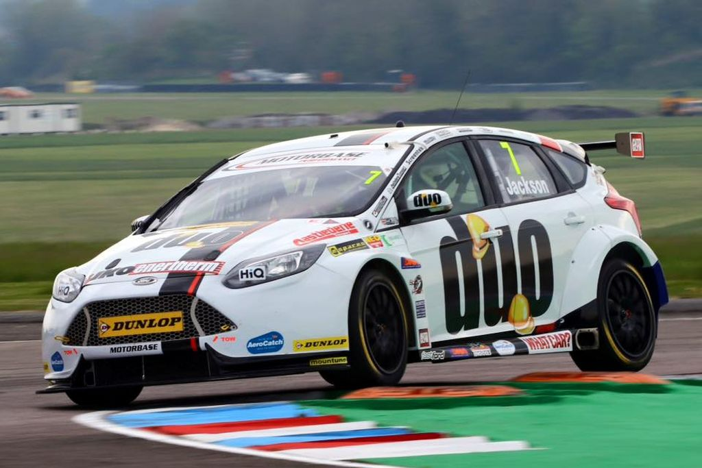 Double win Motorbase Performance BTCC Truxton