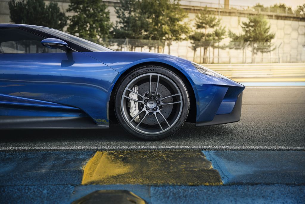 Ford GT carbon-fiber wheels showcase