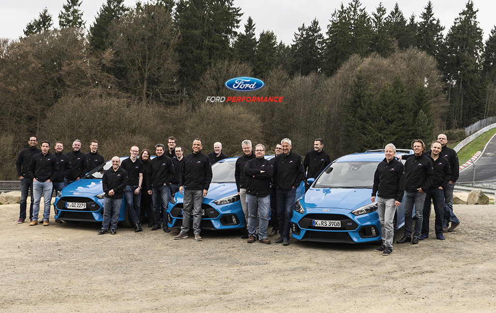 The all-new Ford Focus RS has won Car of the Year at the prestigious 2016 Vehicle Dynamics International (VDI) Awards.