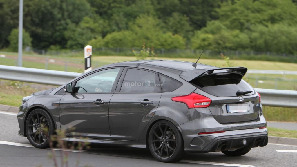 2017 Ford Focus RS500 spyshots on the Nürburgring