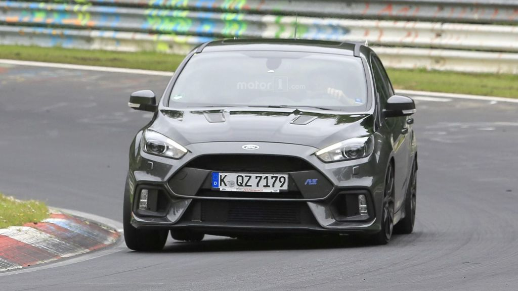 Spy Shots 2017 Ford Focus RS500 with bigger rear wing