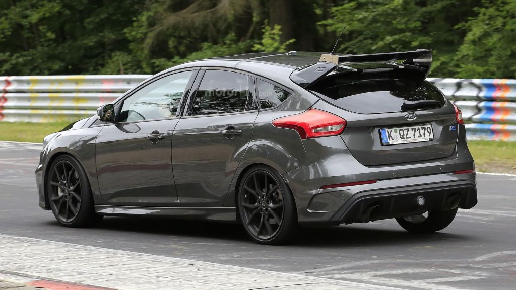 ruigere 2017 ford focus rs500 type opnieuw gespot met. Black Bedroom Furniture Sets. Home Design Ideas