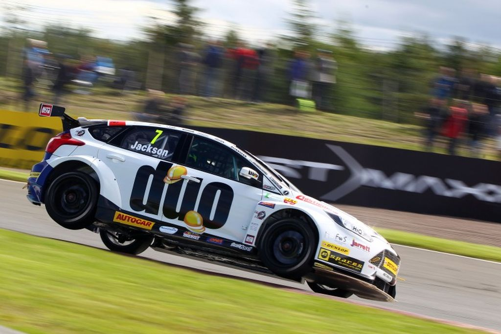 Motorbase Performance at The Dunlop MSA BTCC Knockhill