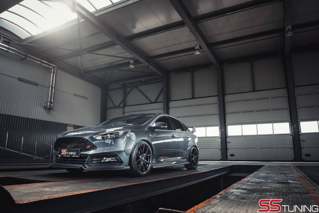 2015 Ford Focus ST Sedan by SS-Tuning.com