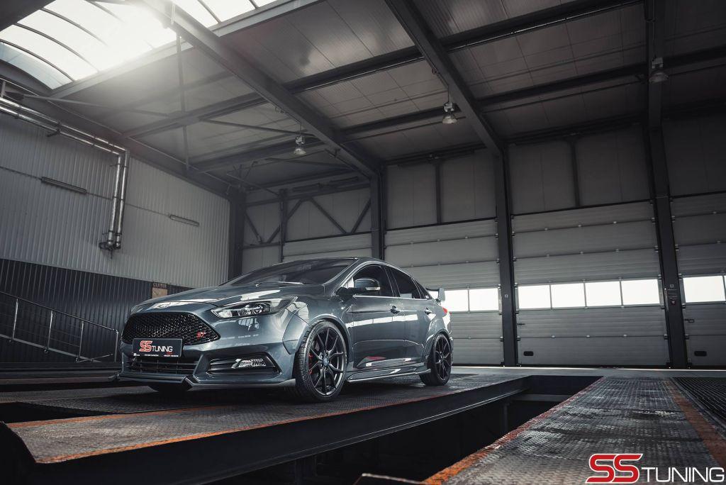 een sportieve ford focus st sedan bestaat dat www. Black Bedroom Furniture Sets. Home Design Ideas