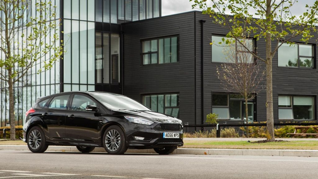2016 Ford Focus ST-Line 1.5 Ecoboost 148bhp review by Carmagazine.co.uk