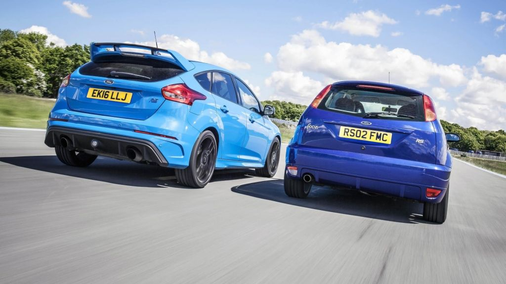 Top Gear - Ford Focus RS MKI vs Focus RS MKIII