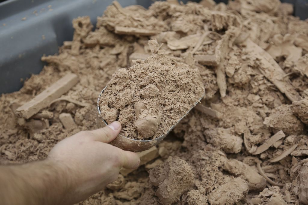Ford continues to improve sustainability in every part of the business, recycling nearly 5,000 pounds of car modeling clay last year – or enough to create up to three full-size clay vehicle models