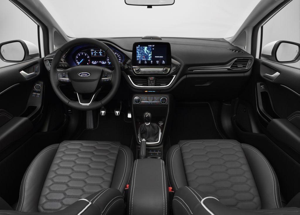 2016 Ford Fiesta Vignale cockpit