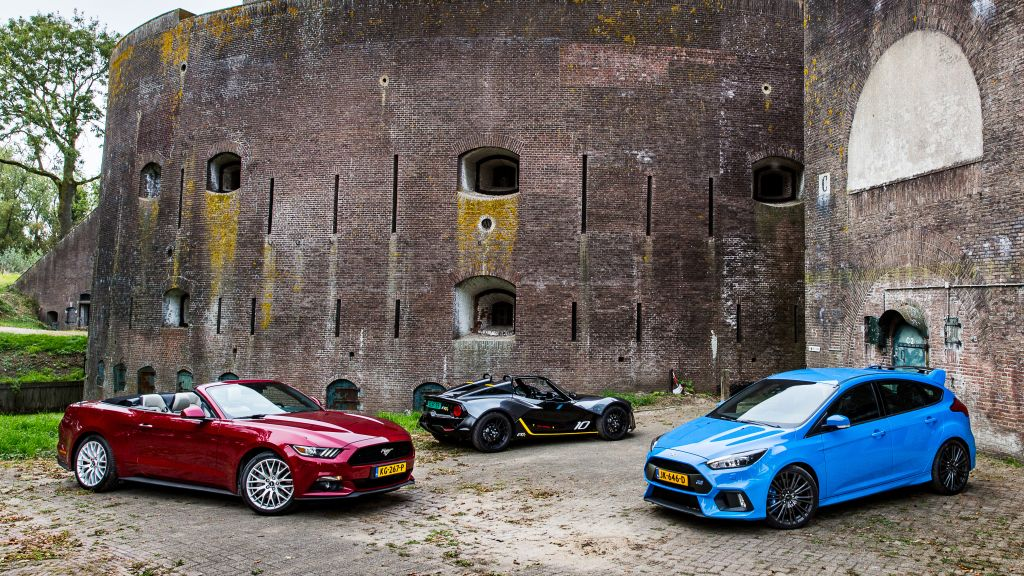 Mustang vs Focus RS vs Zenos E10R - by Autovisie