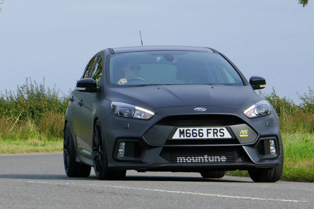 2017 ford focus rs mountune m400 review. Black Bedroom Furniture Sets. Home Design Ideas