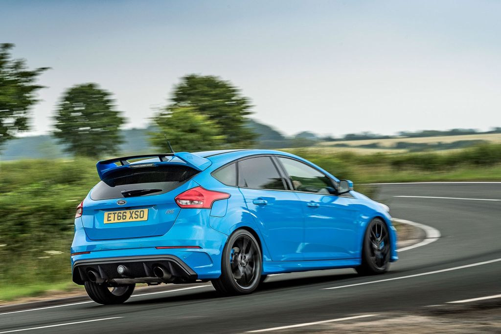 the ford focus rs gives you fun at any speed. Black Bedroom Furniture Sets. Home Design Ideas