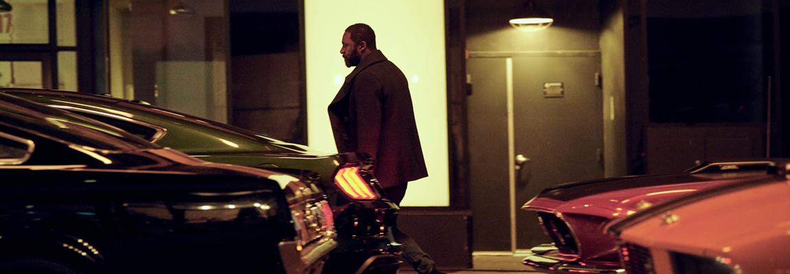 Idris Elba onthult Ford's volledig elektrische Mustang-geïnspireerde SUV
