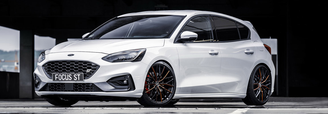 JMS Fahrzeugteile uit Duitsland geeft de Ford Focus ST een sleek look