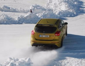 Video | Ford Focus RS drifting - Livigno Tsjechië