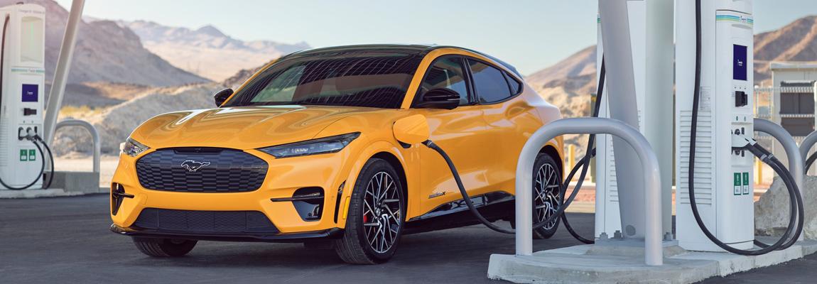 Mustang Mach-E GT & GT Performance Edition bereiken definitieve EPA-geschatte actieradius van 270 mijl en 260 mijl