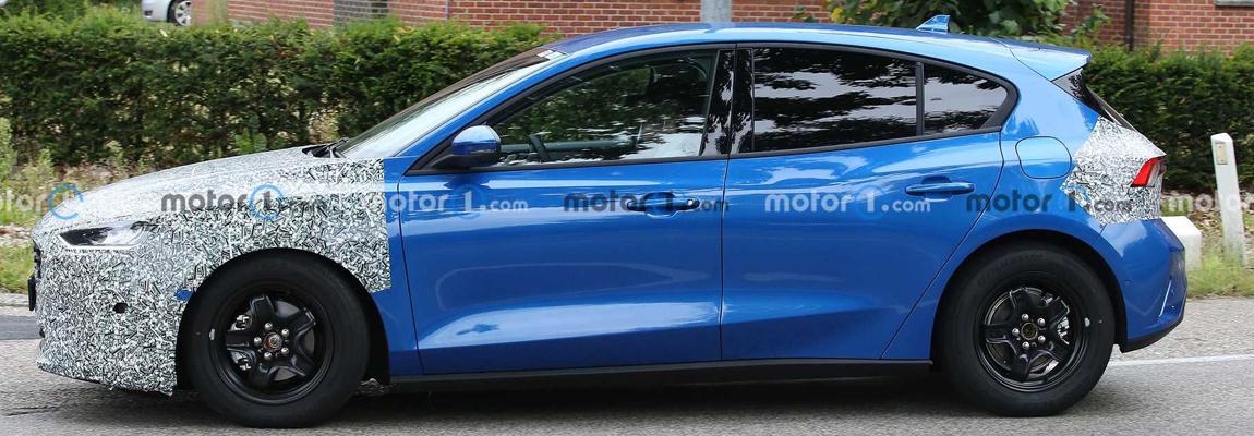 Betrapt tijdens testrondjes de 2022 Ford Focus en Ford Focus ST